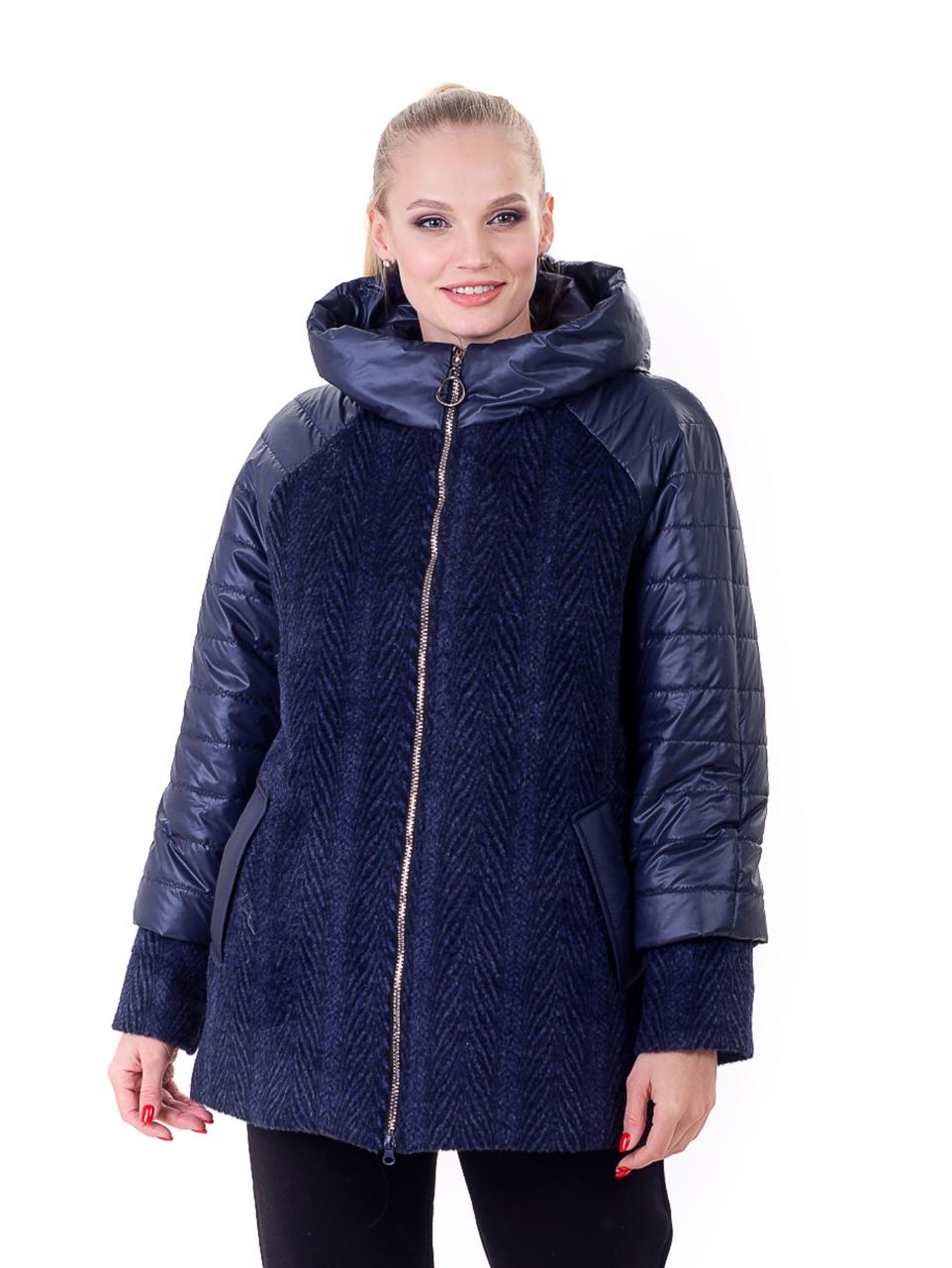 Женская куртка больших размеров с отделкой