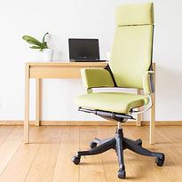 Офісні крісла та стільці
