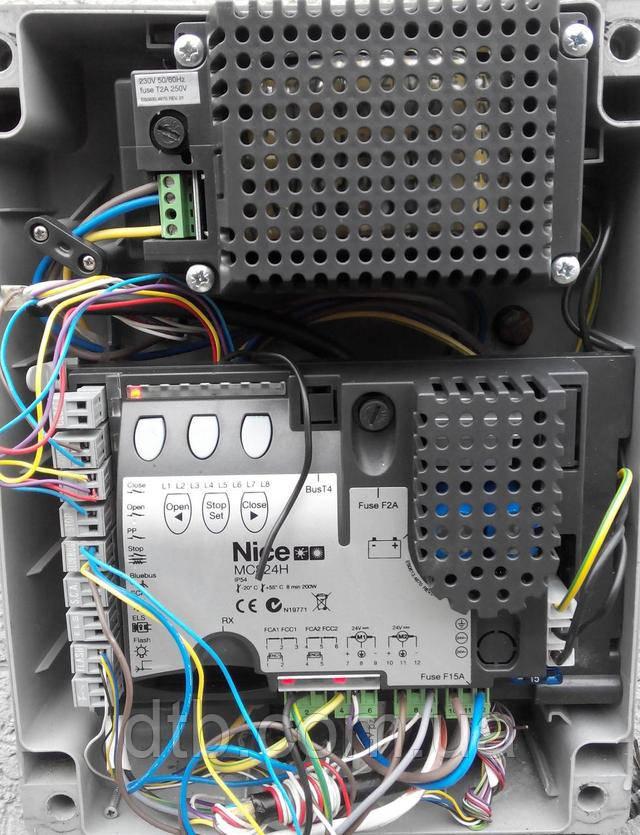 Блок управления Nice MC824H с платой MCA1 для ворот найс