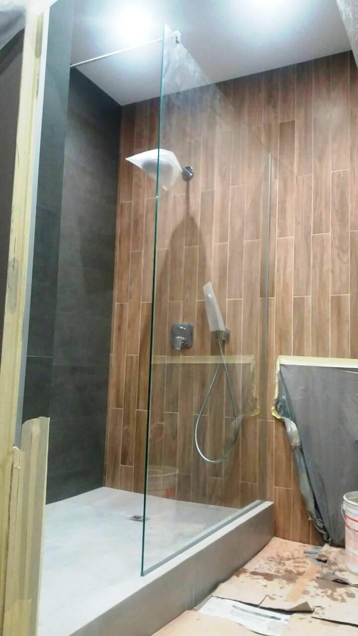 Стеклянные перегородки и ограждения для душа на заказ, душевые перегородки в ванную, душевые углы