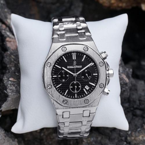 Audemars Piguet  Chronograph (Silver-Black)