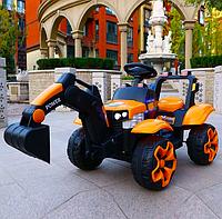 Детский электромобиль Трактор с подвижным ковшом и подсветкой Bambi M 4263EBLR оранжевый