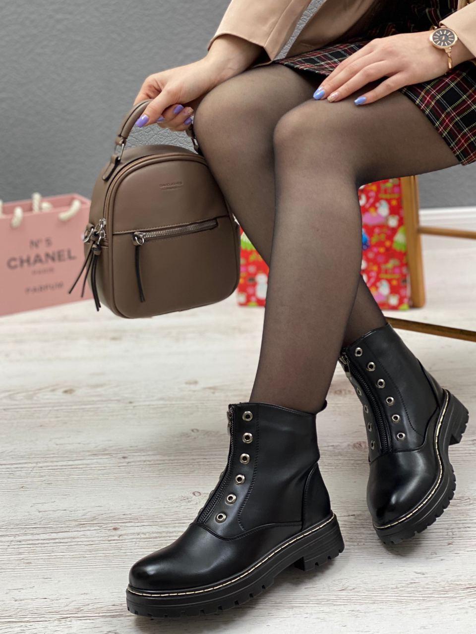 Ботинки женские зимние 8 пар в ящике черного цвета 36-41