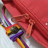 Женский рюкзак-сумка канкен красный радужный Fjallraven Kanken classic 16 с радужными ручками, фото 4