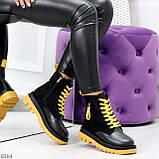 Стильные удобные демисезонные черные женские ботинки с желтым декором, фото 8