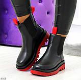 Стильные удобные демисезонные черные женские ботинки челси с красным декором, фото 7