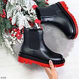 Стильные удобные демисезонные черные женские ботинки челси с красным декором, фото 10