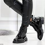 Модные практичные глянцевые черные женские ботинки на флисе с декором, фото 2
