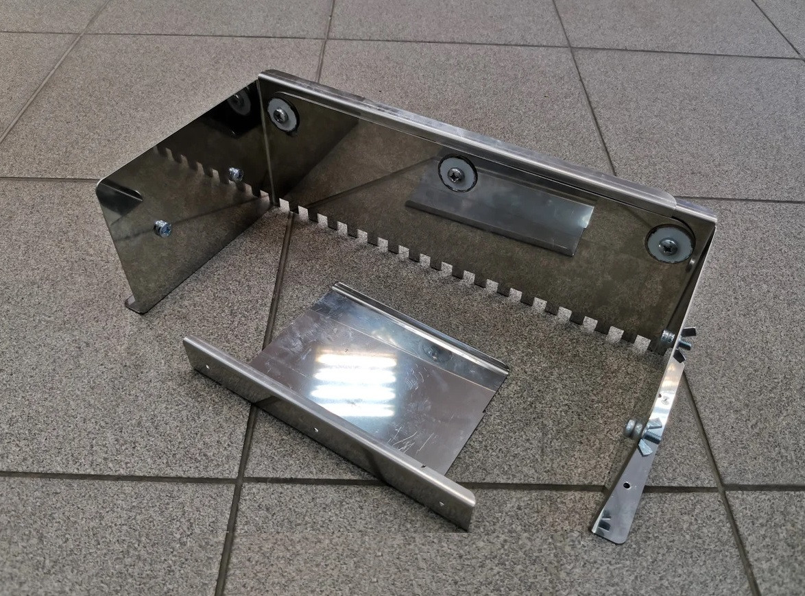 Гребенка раздвижная для укладки плитки 10*10мм. Зубчатый шпатель для клея до 66см