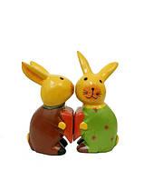 Два кролика, лягушки и др. держат сердце (з-21)