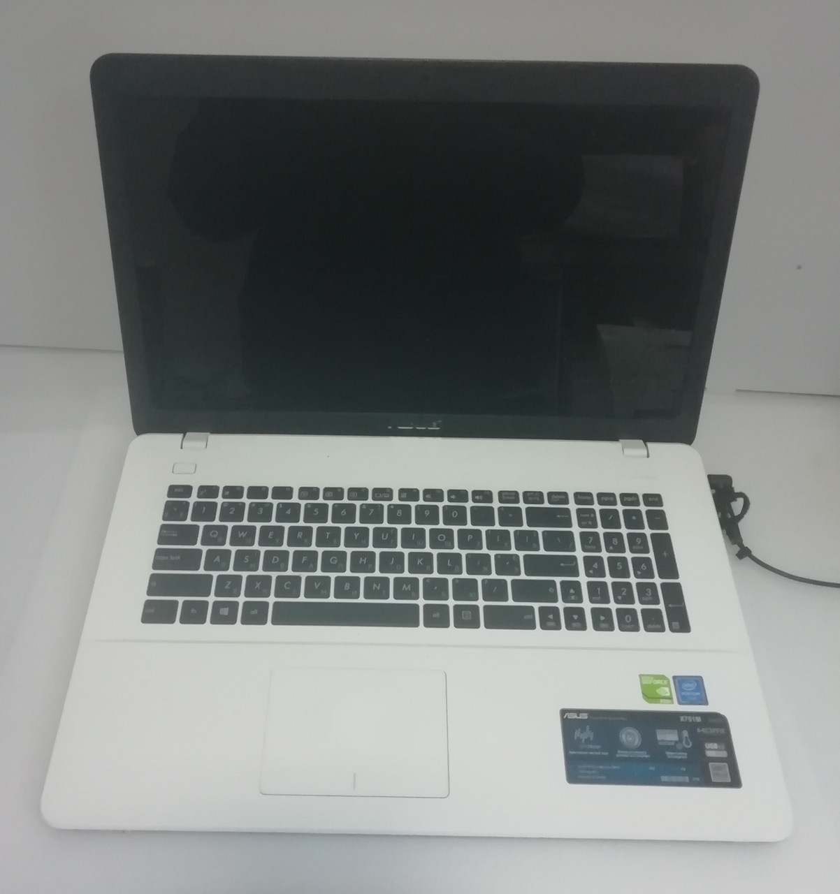 Ноутбук игровой Asus X751M с огромным 17 экраном. Белое совершенство. Игры на максимальных настройках