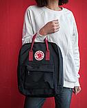 Сумка-рюкзак для девочки канкен Fjallraven Kanken classic школьный, городской, черный с бордовыми ручками, фото 2