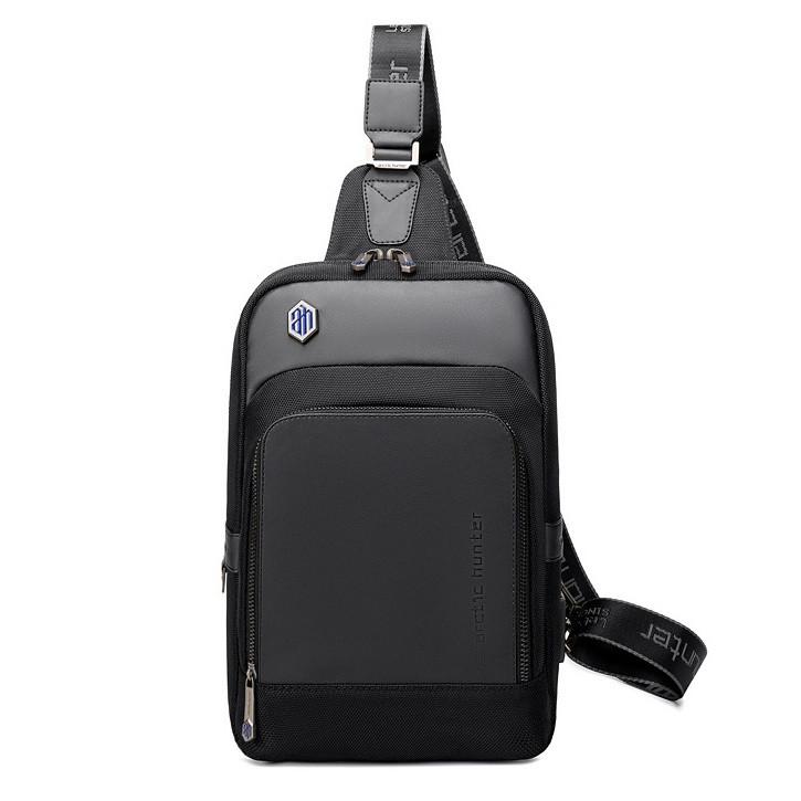 Рюкзак с одной лямкой Arctic Hunter XB00116, с USB портом, из водоотталкивающей ткани, 6л