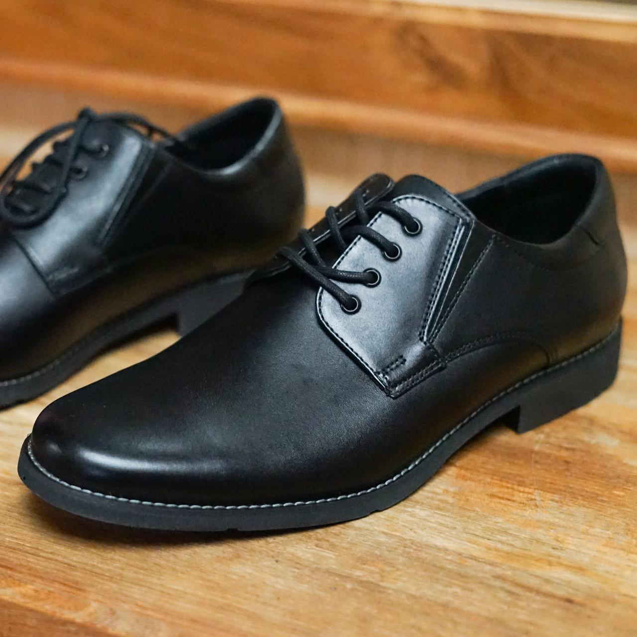 Шкіряні чорні туфлі Minardi