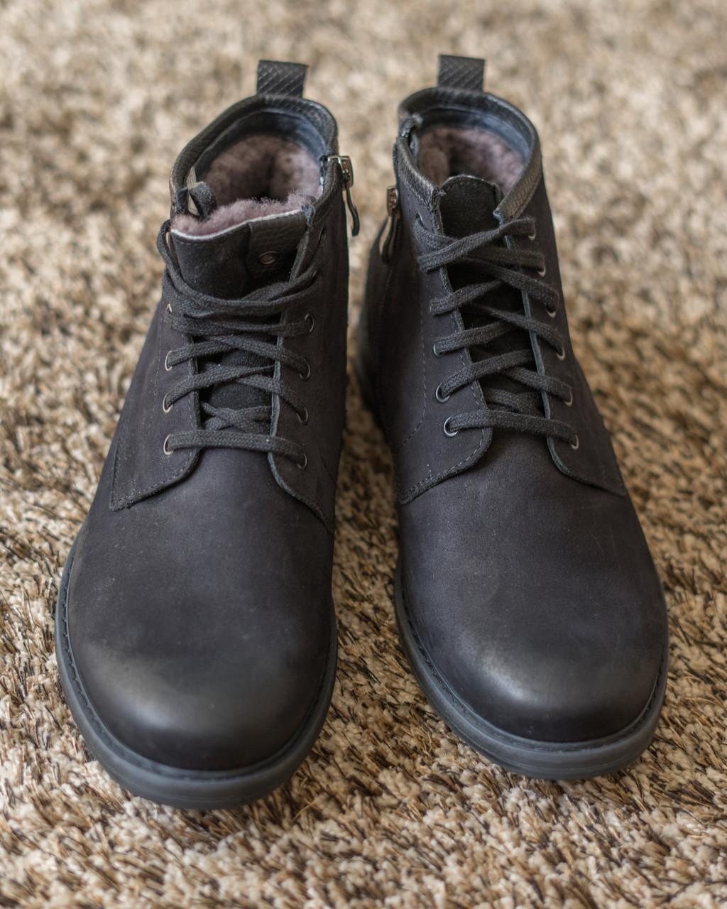 Чоловічі черевики з міцних матеріалів