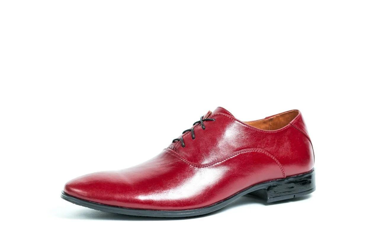 Туфлі чоловічі, малинові.