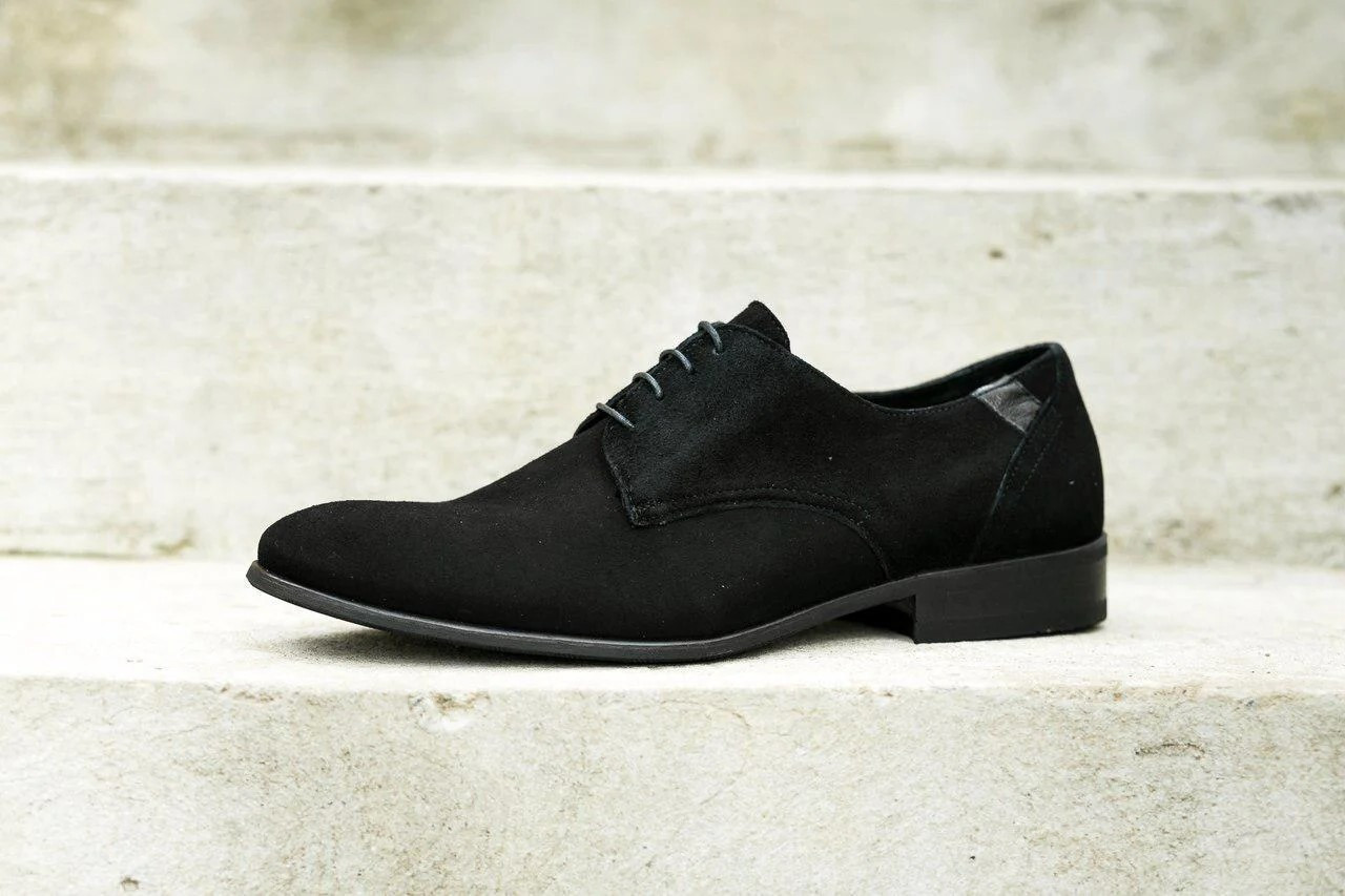 Замшеві туфлі,чорні.