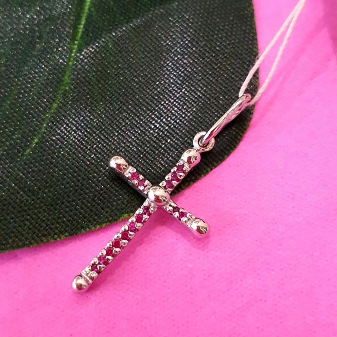Нежный серебряный крестик женский с розовыми фианитами - Серебряный крестик с цирконием