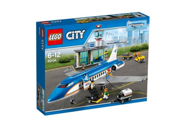 Конструктор LEGO City Аэропорт Пассажирский (60104)