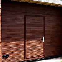 Секционные ворота с врезной калиткой, фото 1