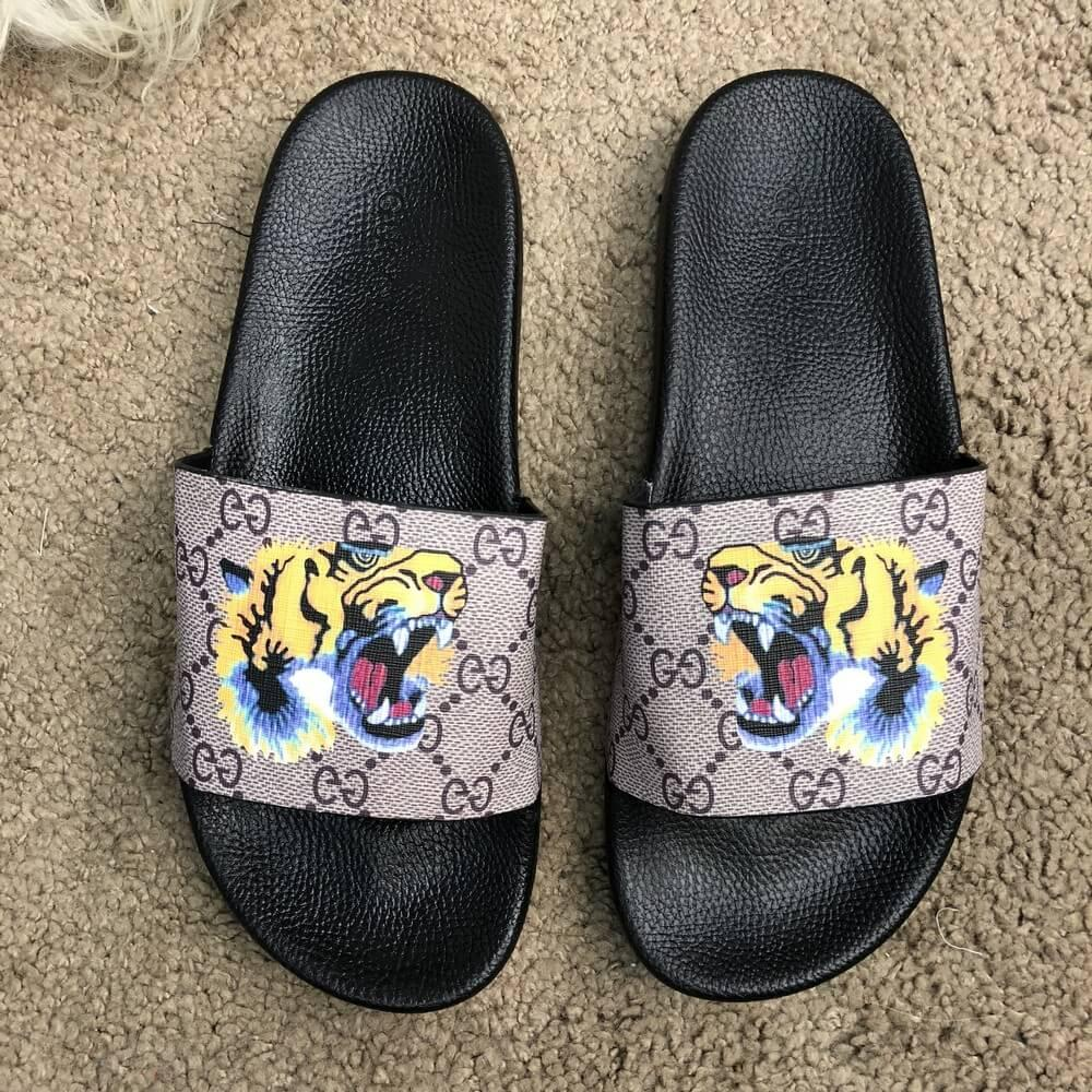 Gucci Slide Sandal GG Supreme Tiger