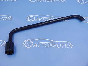 Ключ колесный (балонный) на Citroen DS5 (Ситроен дс5)
