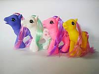 Маленька поні на аркуші КК19-4