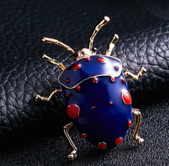 Брошь брошка значок металлический синий жук насекомое