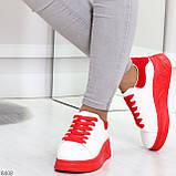 Ультра модные молодежные белые женские кроссовки с красным декором, фото 5