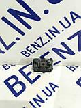 Кнопка відкриття кришки багажника Mercedes W212/W204/C218 A2129059200, фото 2