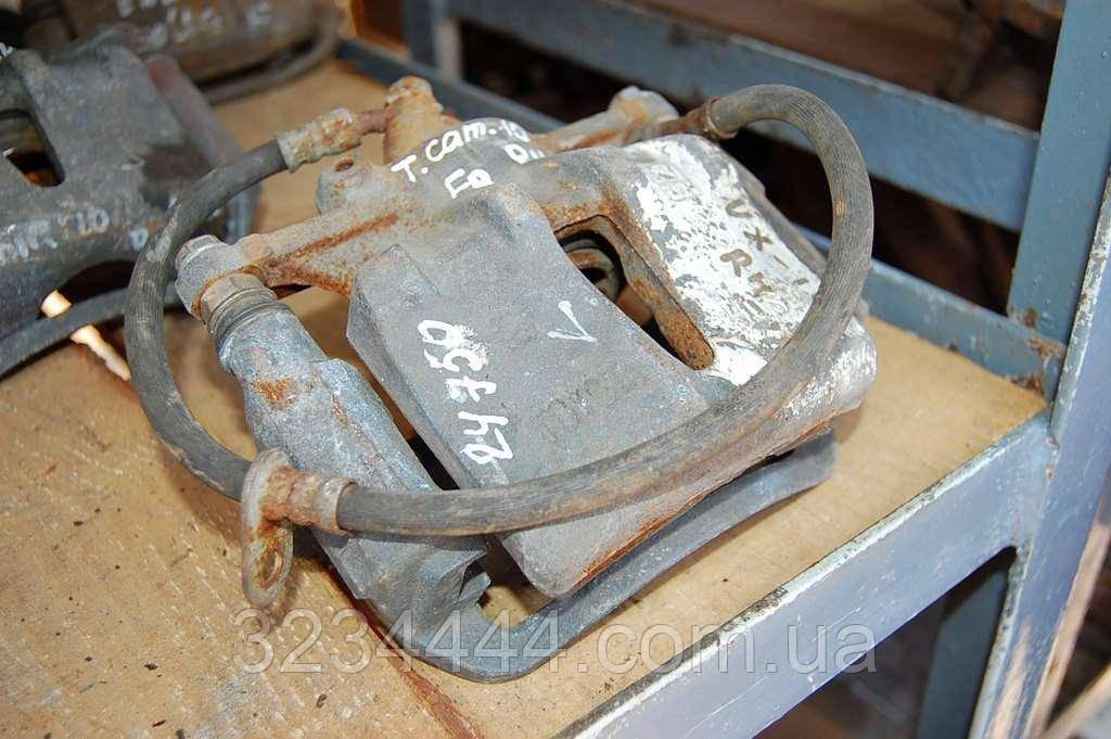 Суппорт передний R правый TOYOTA CAMRY 10 92-96