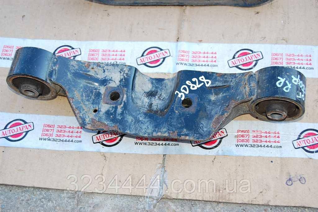 Подушка двигуна SUBARU IMPREZA 00-07 GD/GG