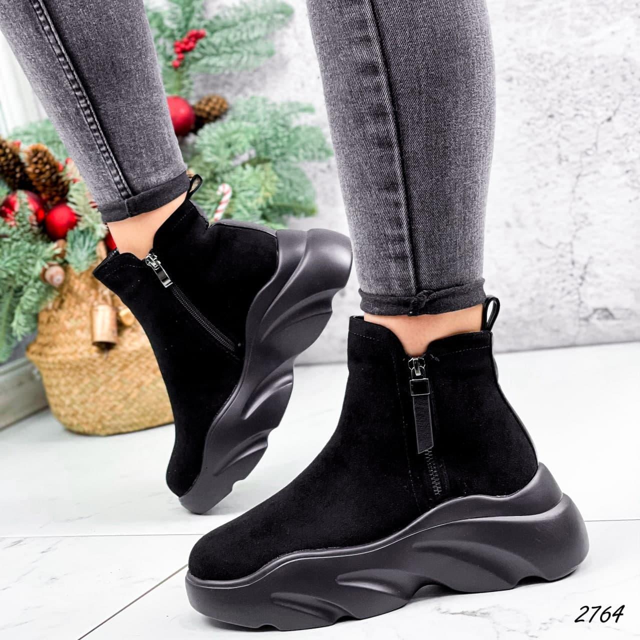 Ботинки женские черные, зимние из эко замши. Черевики жіночі теплі чорні на платформі