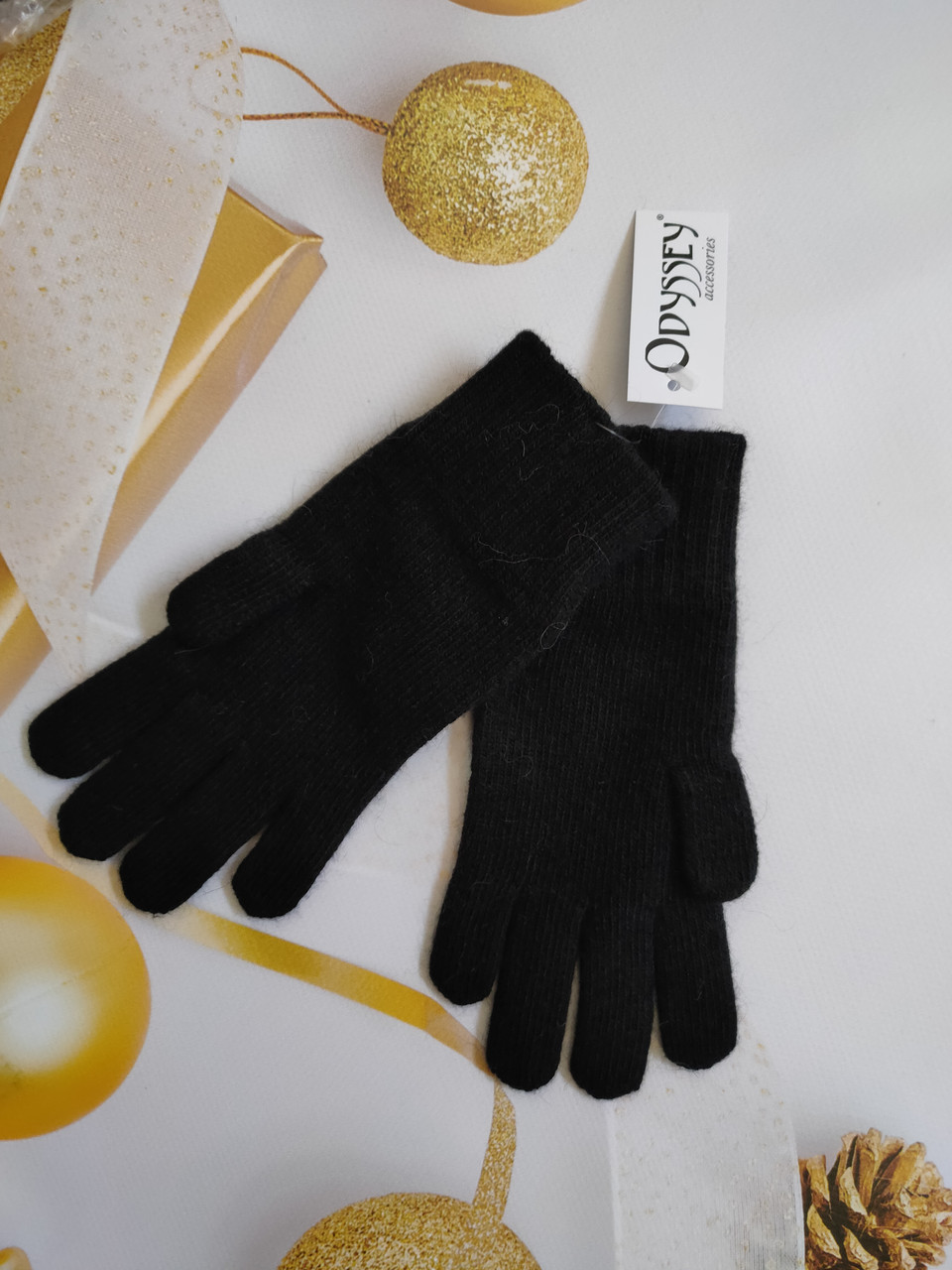 Перчатки  из шерсти  ODYSSEY  43605 черный
