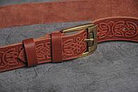 Кожаный качественный рыжий ремень с тисненым орнаментом, фото 1