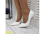 Туфли лодочки на низком каблуке белые К2393, фото 6