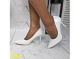 Туфли лодочки на низком каблуке белые К2393, фото 5