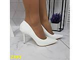 Туфли лодочки на низком каблуке белые К2393, фото 8
