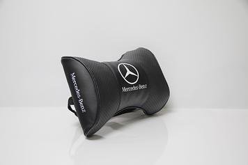 Подушки на підголовник з логотипом автомобіля Mercedes (Чорний колір)