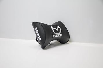 Подушки на подголовник с логотипом автомобиля mazda (чёрный цвет)