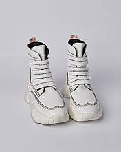 Ботинки кожаные женские белые на липучках и массивной подошве. Турция