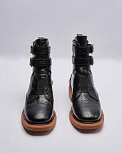 Ботинки кожаные лакированные женские черные на резинке и ремешках. Турция