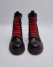 Ботинки кожаные женские черные на цветных шнурках. Турция