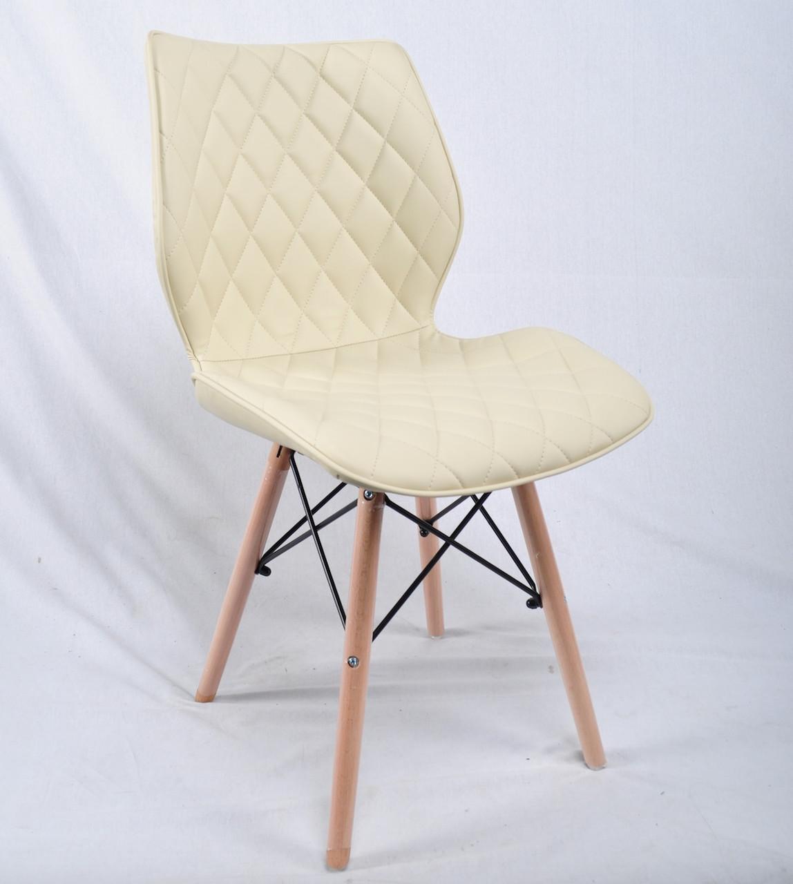 Обеденный стул на деревянных ножках из эко кожи бежевого цвета Nolan