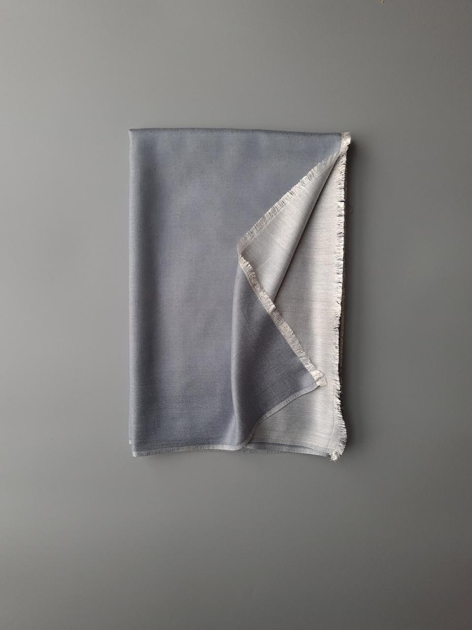 Двухсторонний шарф из шерсти и шелка светло серый