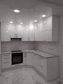 Кухня белая угловая_фото 1