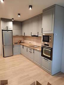 Кухня бирюзовая под потолок