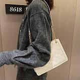 Женская классическая сумка на цепочке через плечо кроссбоди белая, фото 4
