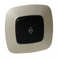 Выключатель проходной 1-клавишный черный-золото ELA