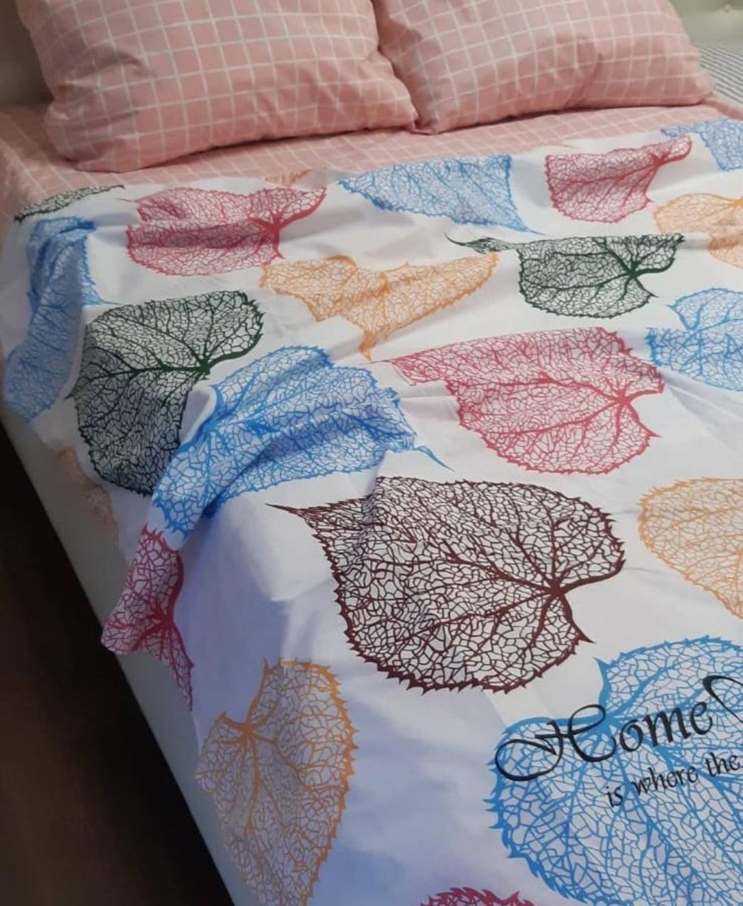 Комплект постельного белья  Бязь GOLD 100% хлопок Листочки цветные